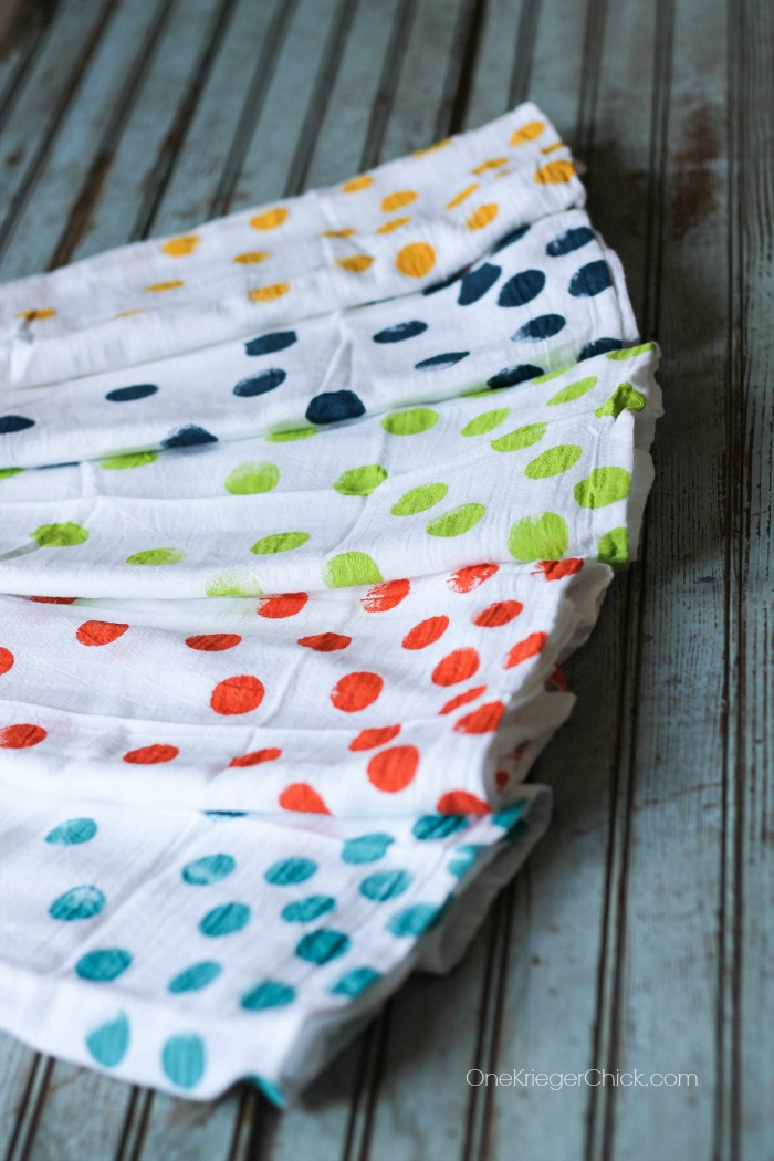 Colorful and fun polka dot towels- So easy to make a set! OneKriegerChick.com