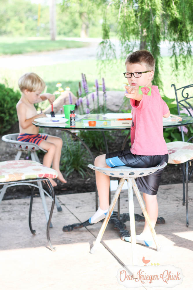 Fruit Slice Bird Feeder- Fun Summer crafting with kids with We Made It- OneKriegerChick.com 10-1