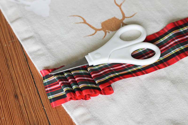 Antler stencil table runner-2- OneKriegerChick.com