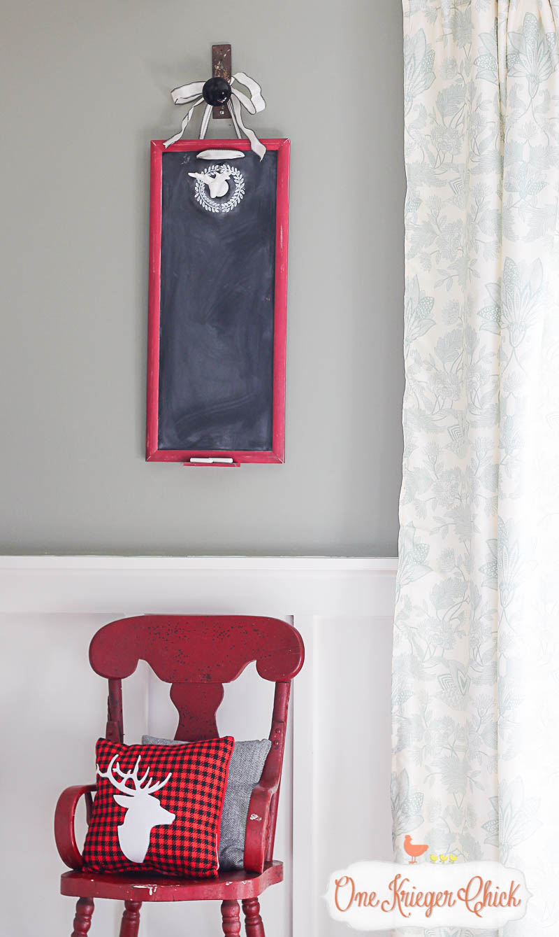 Make your own festive chalkboard for the holidays! So many possibilities for decorating! OneKriegerChick.com