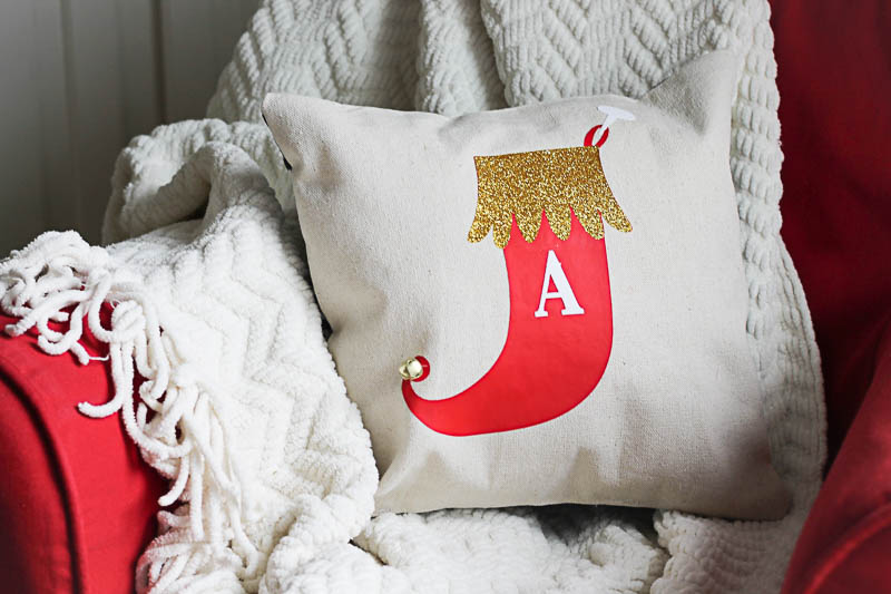 Monogram Stocking Pillows using Expressions Vinyl-Fun decor for kids rooms!-OneKriegerChick.com