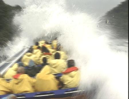 Whirlpool Jetboat in Niagara River hitting huge wave