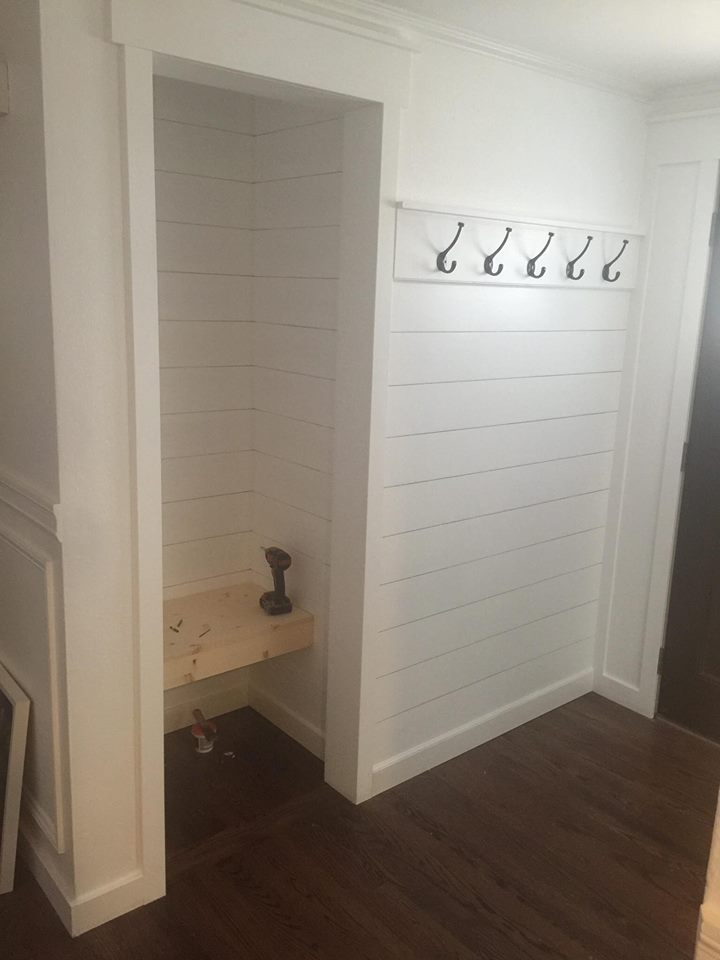 entryway-makeover-built-in-bench