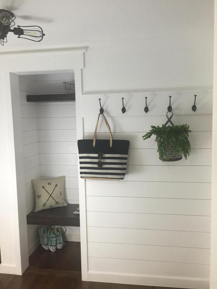 farmhouse-entryway-final-renovation