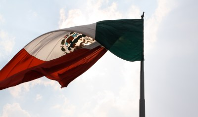 There's your flag shot, Shelly! Zocalo