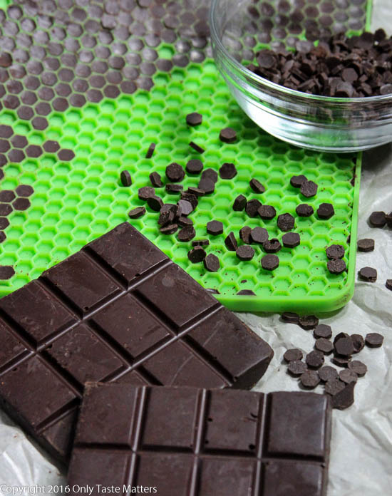 Building a Paleo Pantry: Make your own Paleo-friendly chocolate chips and bars | Only Taste Matters