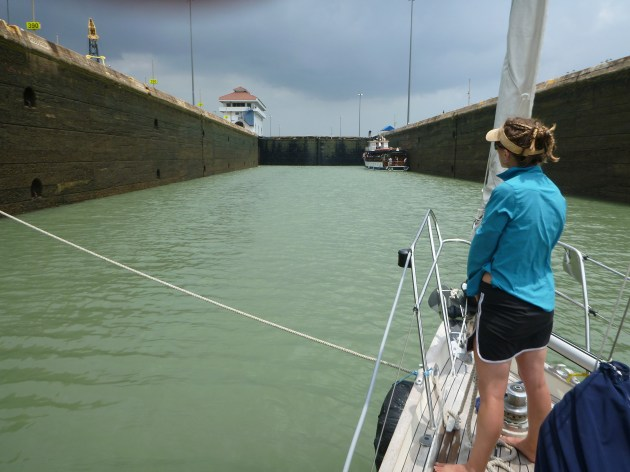 transit panama canal in yacht - sailboat blog - on the horizon line