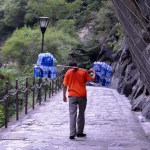 On the road to the sacred mountains - Hua shan-6