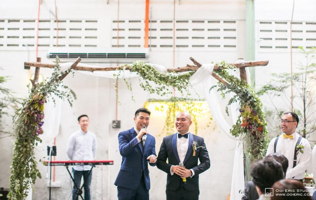 Liang-Pojoo-LiangPojooRingOnIt-Whup-Whup-Restaurant-Cafe-Couple-Portrait-Prewedding-Pre-Wedding-Ceremony-Day-Engagement-Photography-Photographer-Malaysia-Kuala-Lumpur-Ooi-Eric-Studio-16