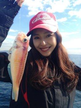 石川理沙子 釣りガール