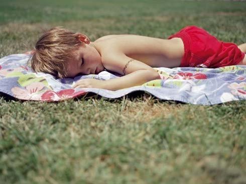 Logra-que-tu-hijo-duerma-la-siesta_articulo_landscape