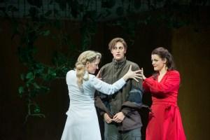 Tamara Weimerich (Almirena), Ileana Mateescu (Rinaldo), Eleonore Marguerre (Armida) ©Thomas M. Jauk / Stage Picture
