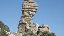 Precarious_pillar,_Catalina_hwy