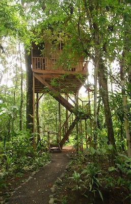 eco-friendly accommodation in Costa Rica, a famous ecotourism destination