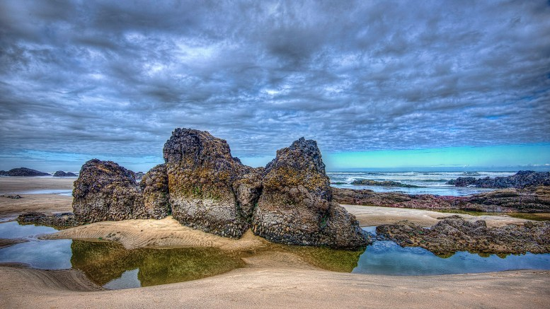 Low tide at Quail Beach in Seal Rock, Oregon, by Dave McIntire