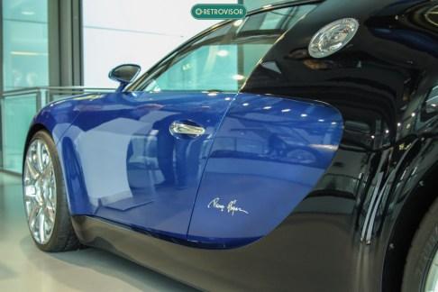 Bugatti que é Bugatti é azul, convenhamos