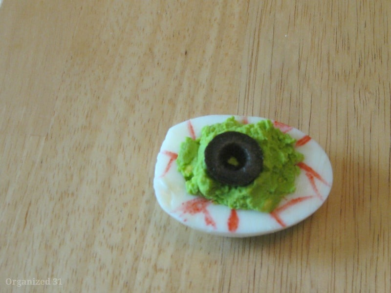 Deviled Egg Eyeballs for Halloween - Organized 31