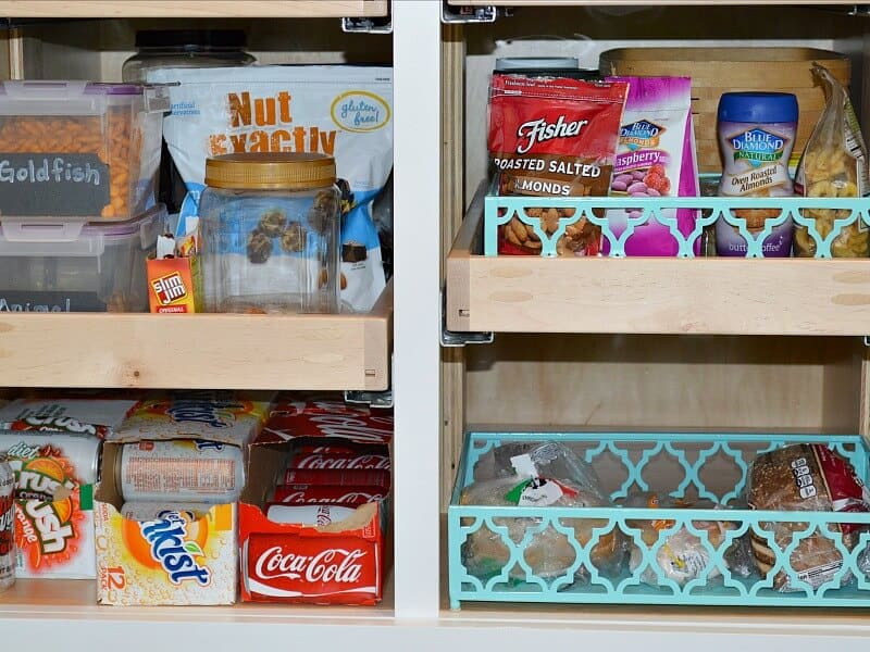 10 Tips for an Organized Pantry- Organize your pantry for no cost with these 10 easy tips.