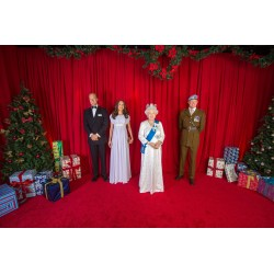Radiant Royal Family Orlando Tourist Queen Prince Prince William Create Holiday Card Itsnewest Figures Madame Tussauds Orlando Is Providing A Royal Welcome Arrival
