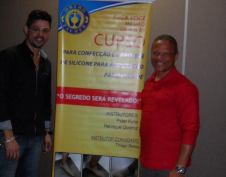 Sr. Diogo Chagas & Sr. Francisco Gomes da Casa Ortopédica/RJ marcando suas presenças no Curso.