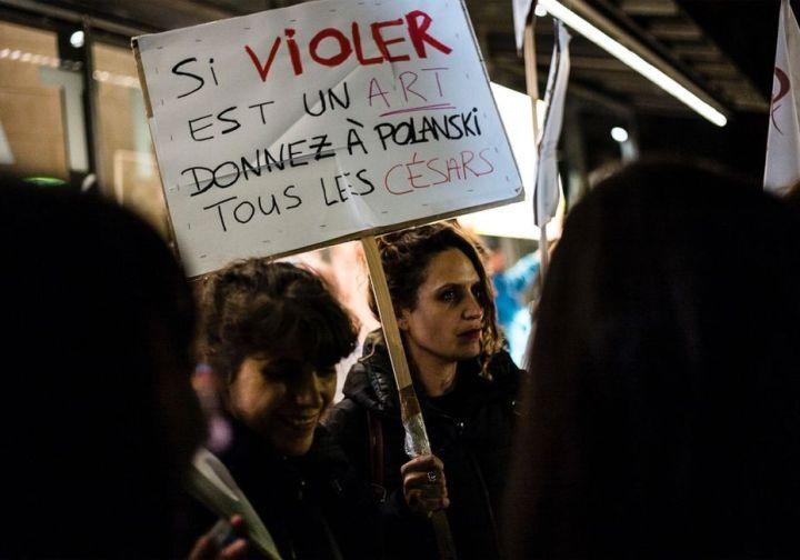 Manifestation lors de la rétrospective Polanski, pédocriminel en fuite