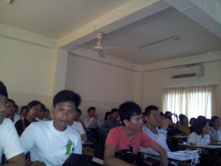 BarcampBattambang-2013-05-25 (16)
