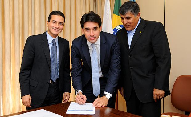 Marcos Pereira abona filiação do deputado estadual Sílvio Costa Filho, de Pernambuco