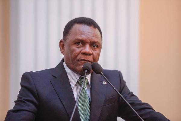 Deputado Ossesio solicita campanha contra o racismo no futebol pernambucano