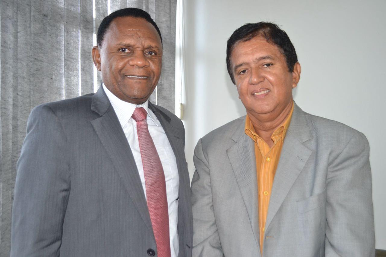 Deputado Ossesio recebe presidente da EACAPE
