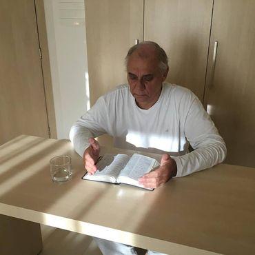 Marcelo Rezende desiste de quimioterapia por tratamento à base de fé e alimentação