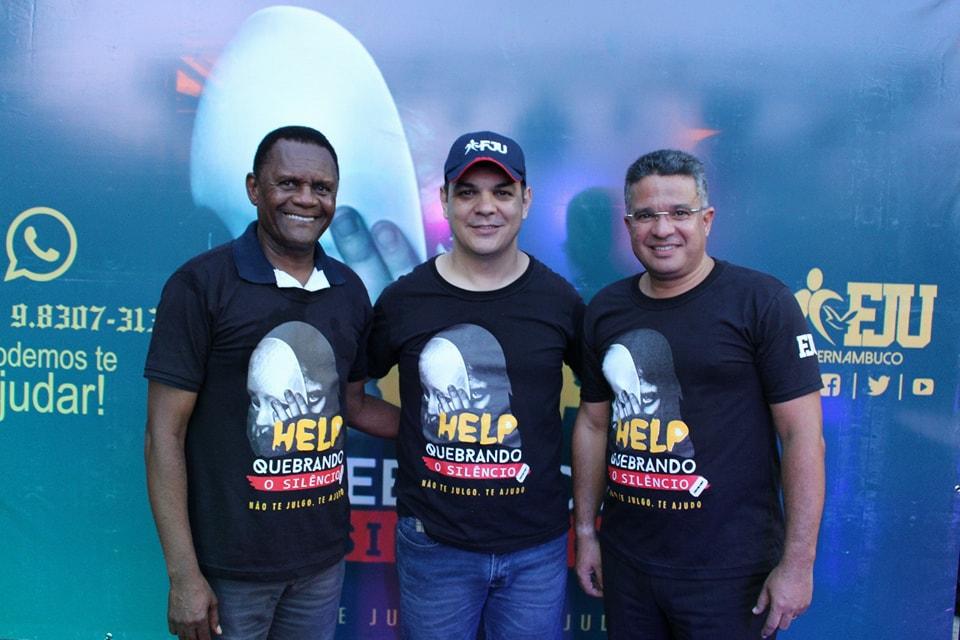 FJU- Bispo Ossesio participa de evento que reúne de cerca de 3 mil jovens no Recife