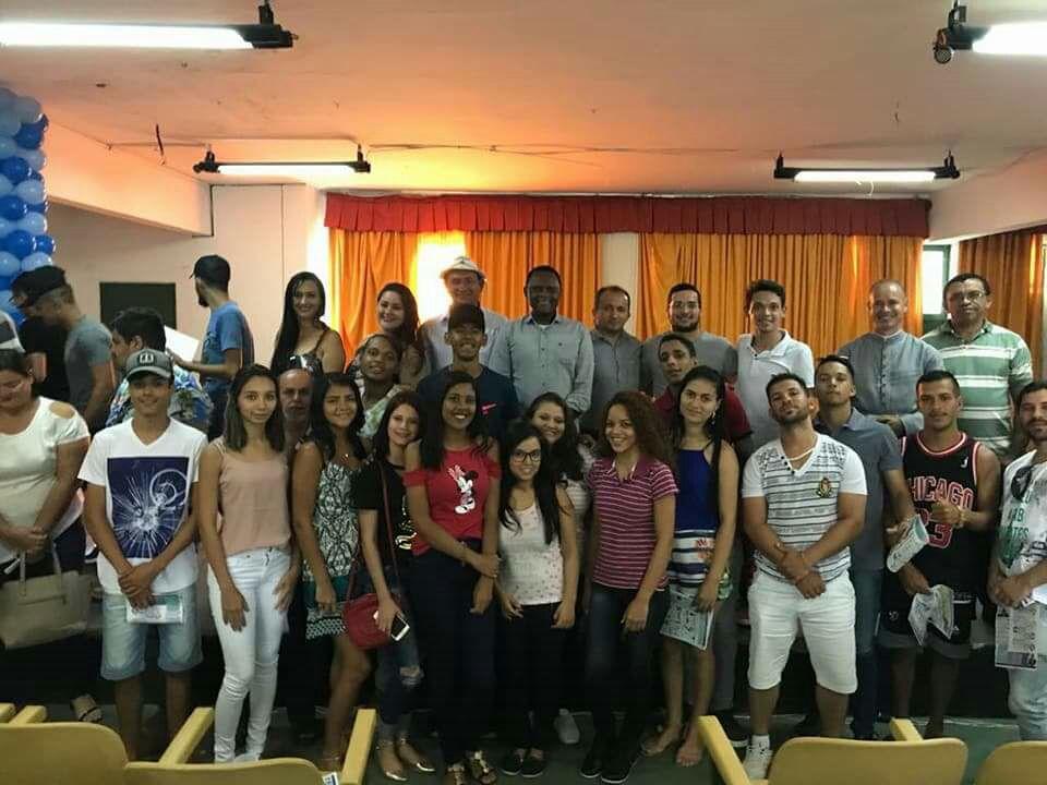 Políticas públicas para juventude foi tema de debate com o deputado Ossesio Silva
