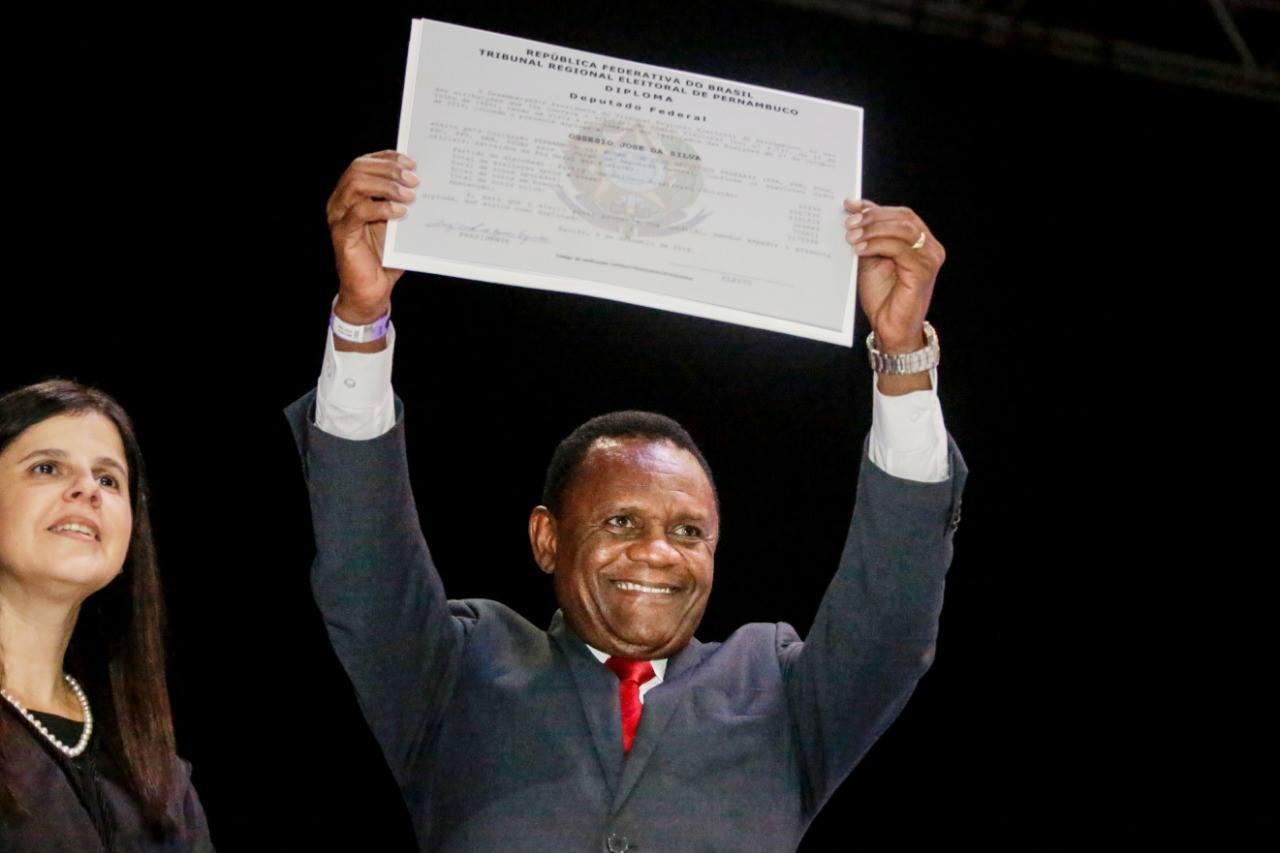 Ossesio Silva é diplomado deputado federal