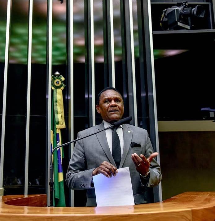 Ossesio Silva quer utilizar mão-de-obra dos presos para reformas de presídios
