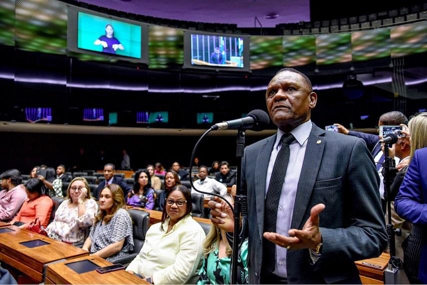 Ossesio Silva propõe melhoria na tramitação dos processos judiciais