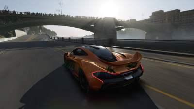 Ouais. J'confirme le ingame de Forza 5...