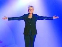 Xuxa apresenta um programa na Record (Foto: Divulgação)