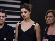 Todos ficam chocados com o assassinato de Murilo (Foto: Globo/Tata Barreto)