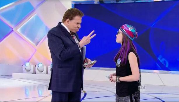 Silvio Santos conversa com Larissa Manoela (Foto: Divulgação)