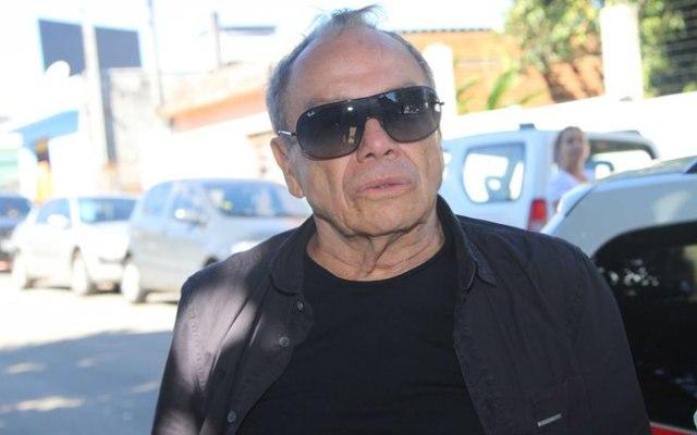 Stênio Garcia no velório de Cleyde Yáconis (Foto: AgNews)