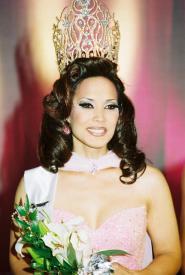 Yoshiko Oshiro - Miss Continental 2002