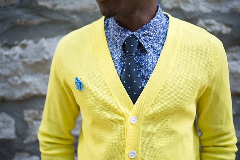yellow cardigan, mens floral shirt, polka dot tie, mens brooch, mens yellow cardigan street style