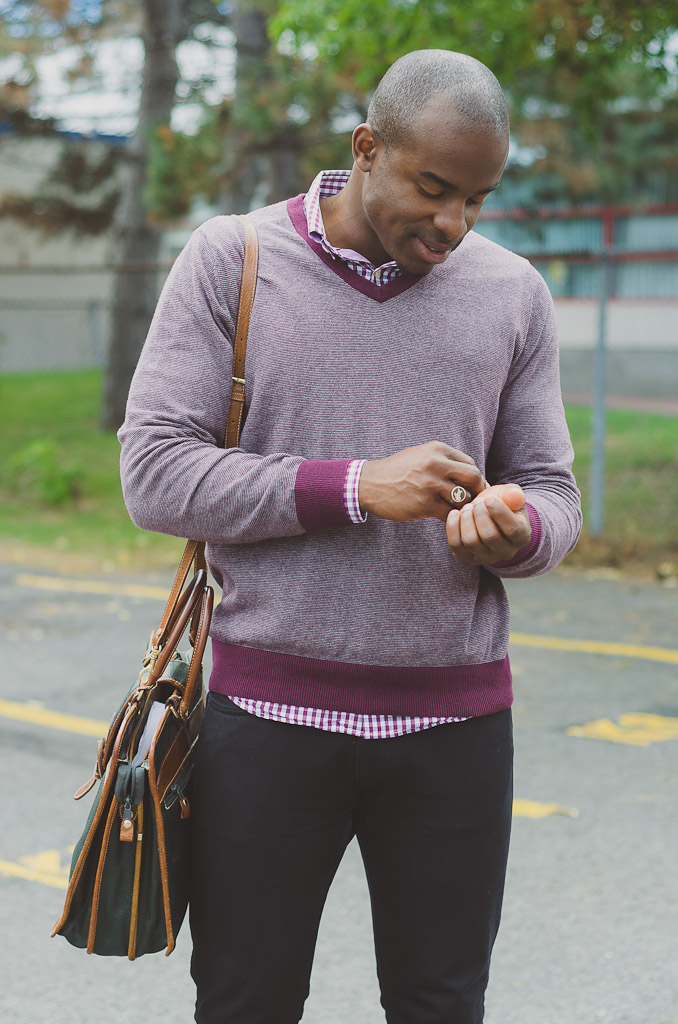 mens-burgundy-vneck-sweater