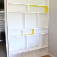 The easiest, cheapest built-in bookcase (move over IKEA!).