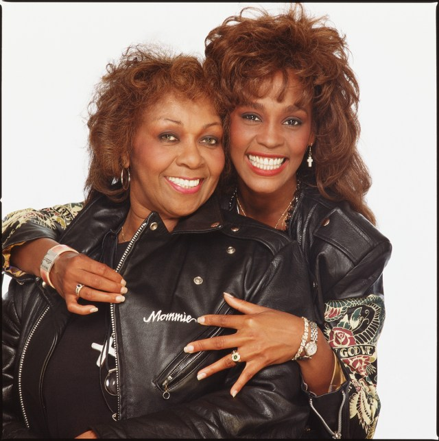 Whitney-AND-Cissy-Houston_003