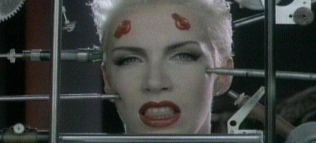 11/27/14 O&A Throwback Thursday: Eurythmics