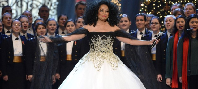 12/18/14 O&A Throwback Thursday Holiday Greeting: Diana Ross- Christmas in Washington (2012)