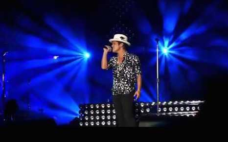 11/28/15 O&A NYC Saturday Morning Concert: Bruno Mars Vivo Rock In Rio (2015)