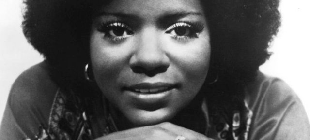 11/11/15 O&A NYC Throwback Thursday: Gloria Gaynor- I Will Survive