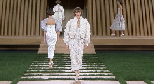 1/30/16 O&A NYC ITS SATURDAY- ANYTHING GOES: Chanel- Spring-Summer 2016 Haute Couture Show